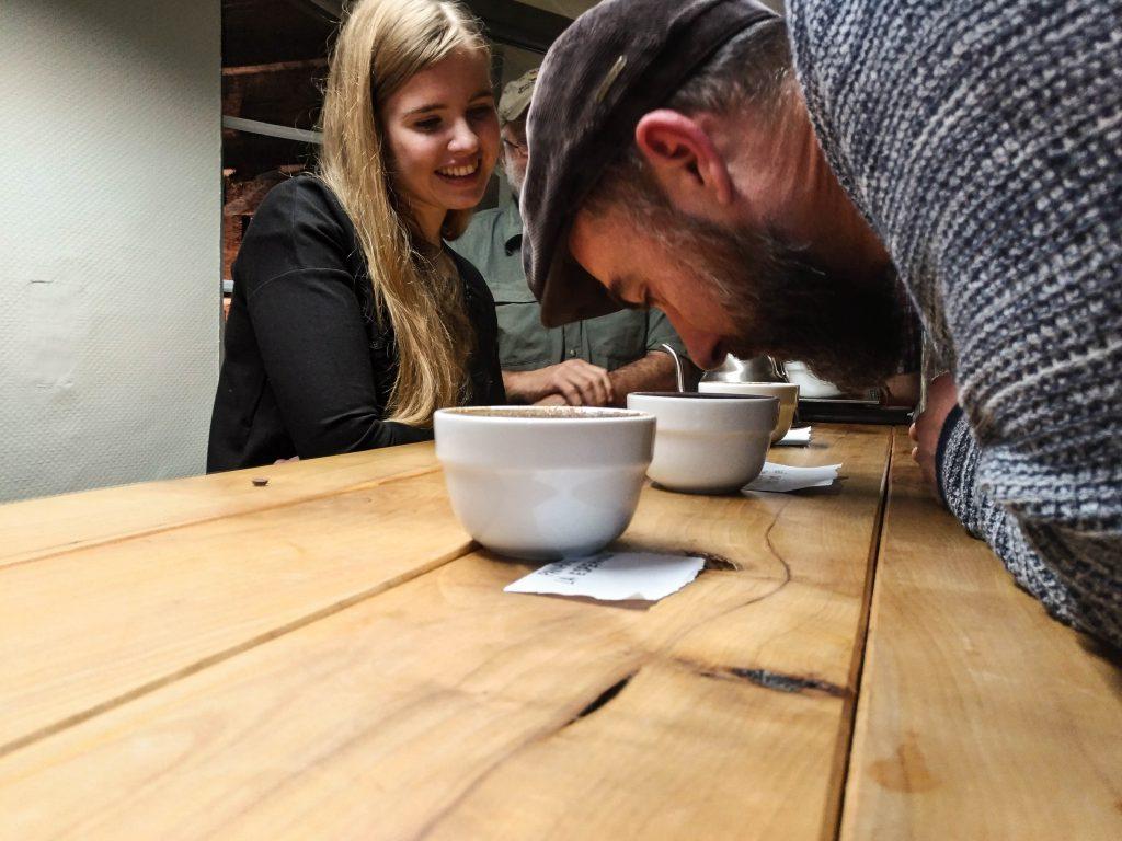 Kaffee Cupping riechen
